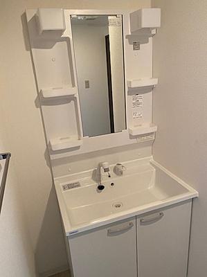 散らかりやすい洗面スペースをすっきりさせる事が出来るのも嬉しいですね