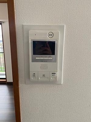 TVモニターでお部屋からお客様を確認できます。