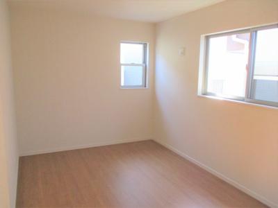 2階の3部屋の洋室は、いずれも2方向に窓を設けており、通風・採光は抜群です※同仕様写真