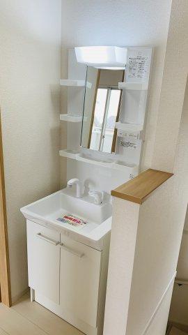 2階洗面化粧台です。ちょっとあると便利です。