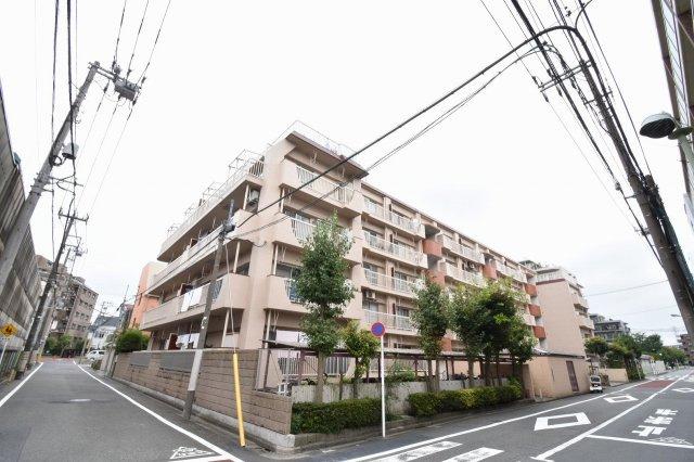 総戸数47戸、昭和55年12月築、自主管理につき管理費を安く抑えられます。