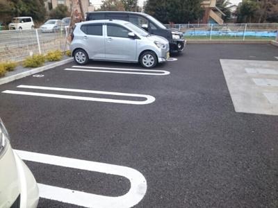 【駐車場】ベルモーデ