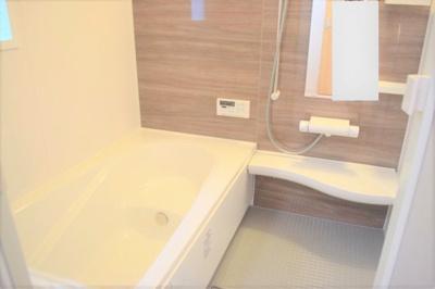 浴室暖房乾燥機能付きのゆったり一坪サイズのユニットバス ※同仕様写真