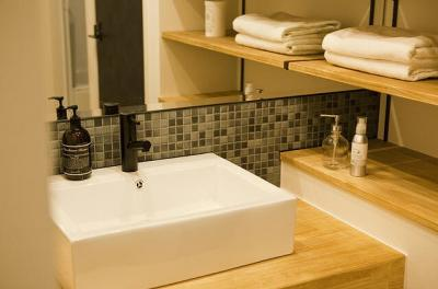 デザイン性あふれる洗面台!今日の身だしなみはどうかな?