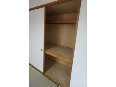 和室の収納は布団や季節の大物などを収納できますね。