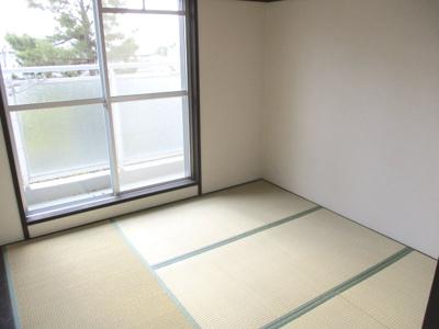 和室で4.5帖なので、収納部屋に集約するのもいいでしょう。