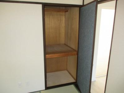 和室にはそれぞれ収納箇所がございます。