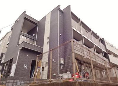 京成津田沼駅徒歩4分。