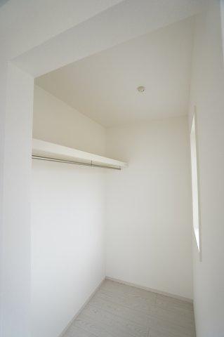服はもちろん、布団も収納できて、お部屋がすっきり片付きますよ!
