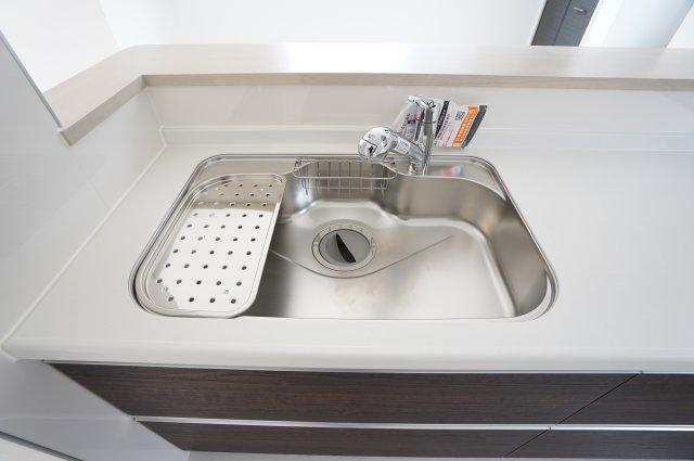 広々シンク!洗い物がしやすいですよ。