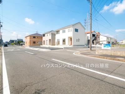 【前面道路含む現地写真】名古屋市中川区一色新町2丁目 新築一戸建て 2号棟