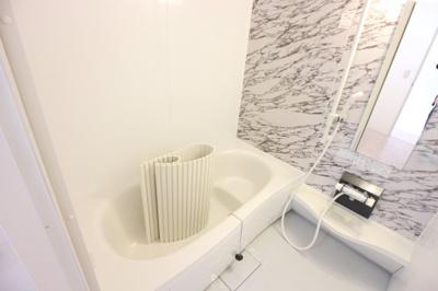 追い焚き給湯付のお風呂♪