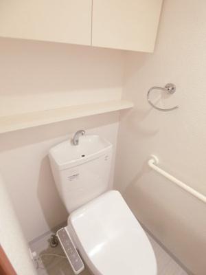 トイレにも収納があります