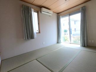 室内大変綺麗にお使いです。急な来客時でもスペース十分です
