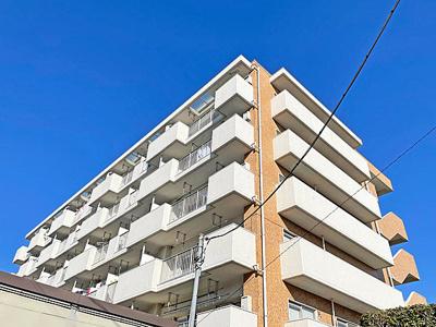 6階建最上階部分のお住まいです。