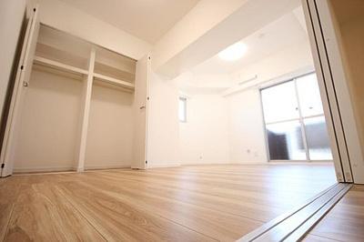 収納付きでお部屋のスペースを有効的にお使いいただけます。