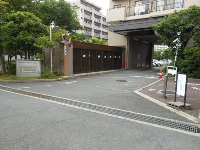 駐車場出入口