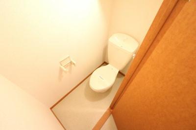 一人暮らしに嬉しいバス・トイレ独立タイプ