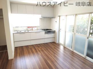 キッチンでお料理をお楽しみください♪岐阜市長良子正賀 リフォーム済み戸建て♪