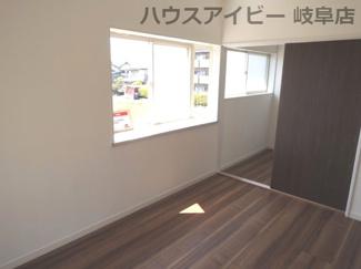 落ち着いた色調の洋室です♪岐阜市長良子正賀 リフォーム済み戸建て♪