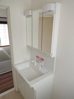♪岐阜市長良子正賀 リフォーム済み戸建て♪洗面所です