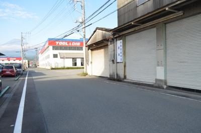 依田橋売倉庫
