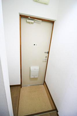 【玄関】ホワイトハイツ