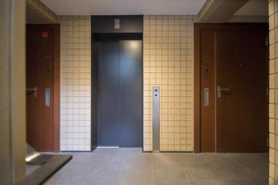 プライバシーを重視した2住戸に1台のエレベーター