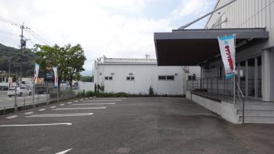 【駐車場】白水ヶ丘倉庫事務所