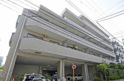 京急本線「大森町」駅他、3駅2路線が徒歩圏内。