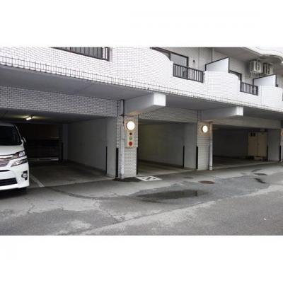 広々駐車場スペースもあり!