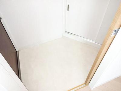 玄関もおしゃれな雰囲気がgood★※写真は同タイプの別部屋で