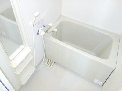 バス・トイレ別です。※写真は同タイプの別部屋です