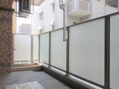 【バルコニー】R-COURT 泉
