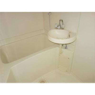清潔感のある浴室です