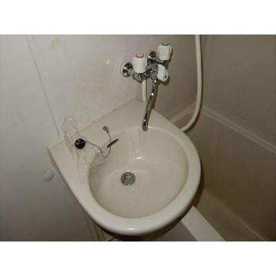 ちっちゃくまとまった洗顔スペース