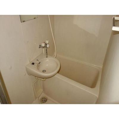もちろんバス・トイレは別です!!