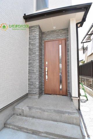 【玄関】桶川市坂田 9期 新築一戸建て ブルーミングガーデン 01
