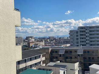 バルコニーからの眺望です♪6階部分で周囲からの目線も気になりませんね(^^)