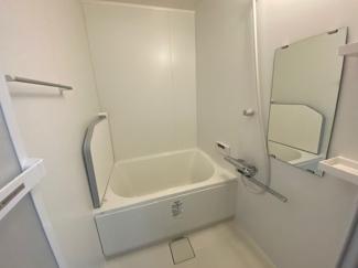 新品の浴室ユニットバスです♪一日の疲れを癒してくれます♪水廻りが全て新品で気持ちよくご入居していただけます!!
