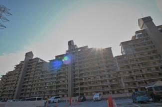 【ラ・ビスタ宝塚サウステラス】地上15階建 総戸数299戸 ご紹介のお部屋は2階部分です♪