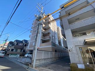 【ラフィーネ伊丹】地上8階建 総戸数26戸 オートロックマンションです! ご紹介のお部屋は5階部分です♪