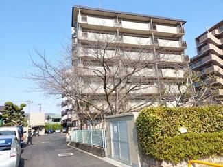 【サニーハイツ逆瀬川】地上8階建 総戸数37戸 ご紹介のお部屋は6階部分です♪令和3年2月リフォーム完了しました!