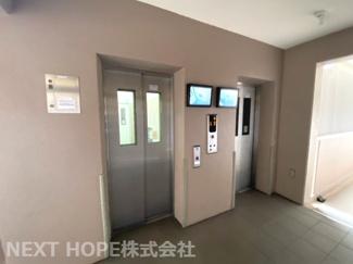 エレベーターは2基ございます♪モニター付きで安心ですね(^^)