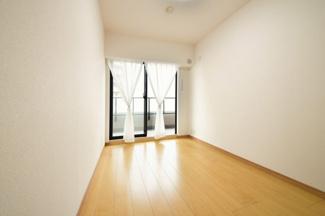 全てのお部屋がバルコニーに面しており、たいへん明るく開放的です!ぜひ現地でご確認ください(^^)