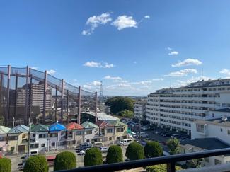 バルコニーからの眺望です!周囲からの目線も気にならないですね(^^)