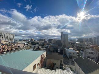 バルコニーからの眺望です♪周囲の目線も気になりません!!