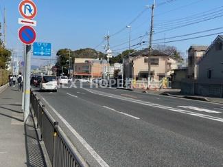 前面道路は幅員20mです♪国道171号線です!車を走らせれば大阪方面・神戸方面へのアクセスの良い立地です!!ぜひ現地をご見学下さい!お気軽にネクストホープ不動産販売までお問い合わせを!