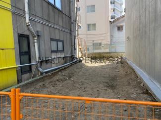 阪神「尼崎」駅徒歩5分!!現況は更地です♪建築条件なしです!ぜひ現地をご覧ください(^^)