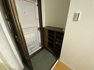玄関にはシューズBOXが設けられております!!スッキリしております(^^)
